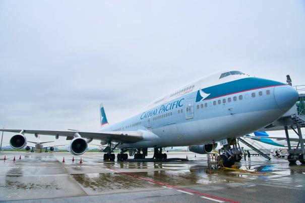 ラストフライトに使用されたボーイング747-400型機(機体番号:B-HUJ) [photo: キャセイパシフィック航空]