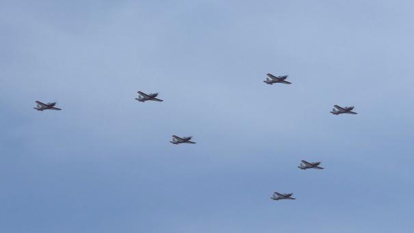 T-7練習機の編隊飛行