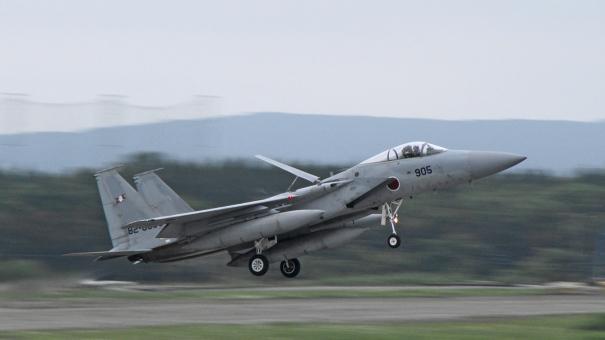 F-15の着陸シーン