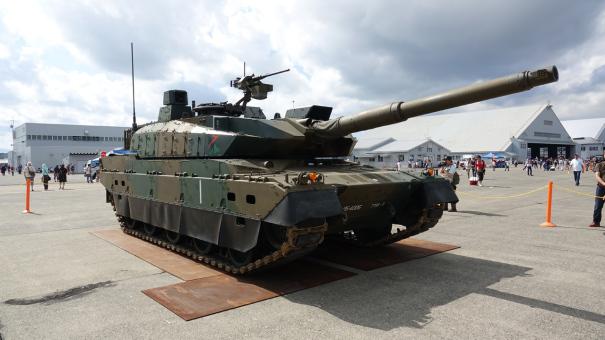 陸上自衛隊の10式戦車