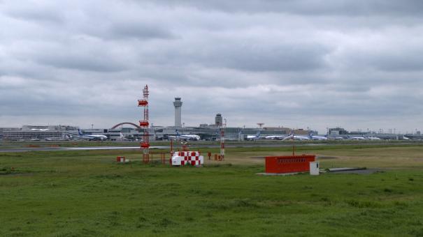 C滑走路の見学場所から見た第2ターミナル