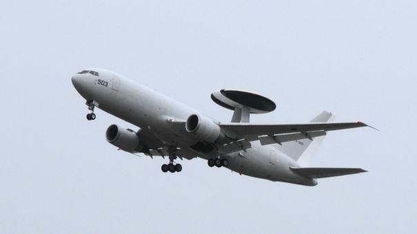 早期警戒管制機 E-767の航過飛行